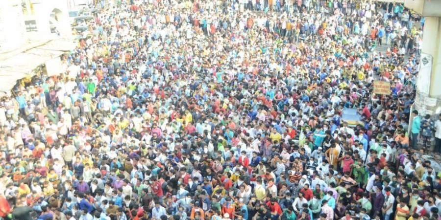 MIgrants_in_mumbai-_PTi