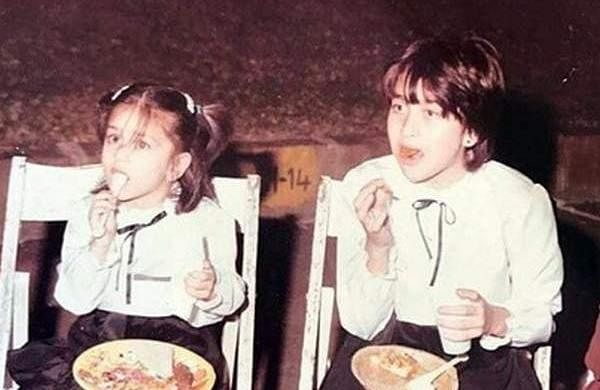 Kareena-Karisma-childhood