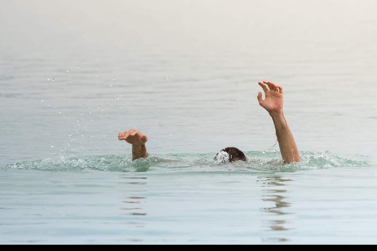 drown-3690715_1920