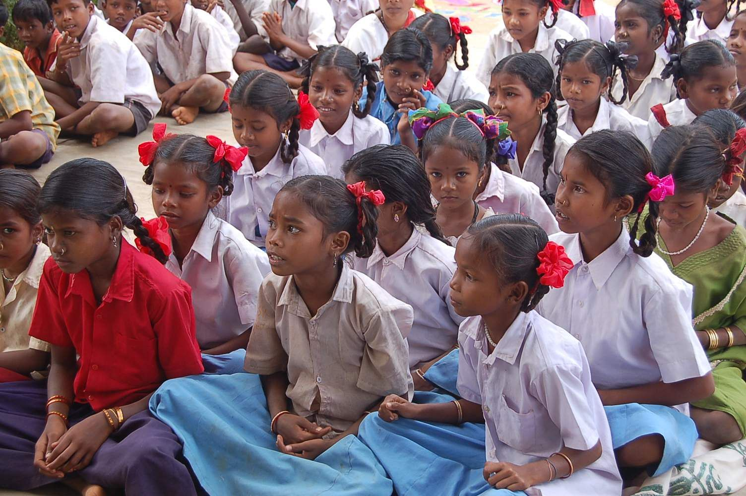 Girls_students,_Chhattisgarh,_India