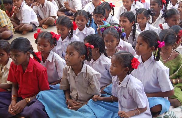 Girls_students,_Chhattisgarh,_India