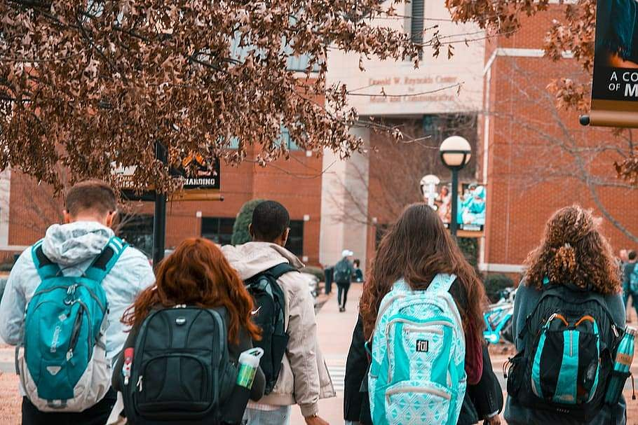 backpacks-college-college-students-friends