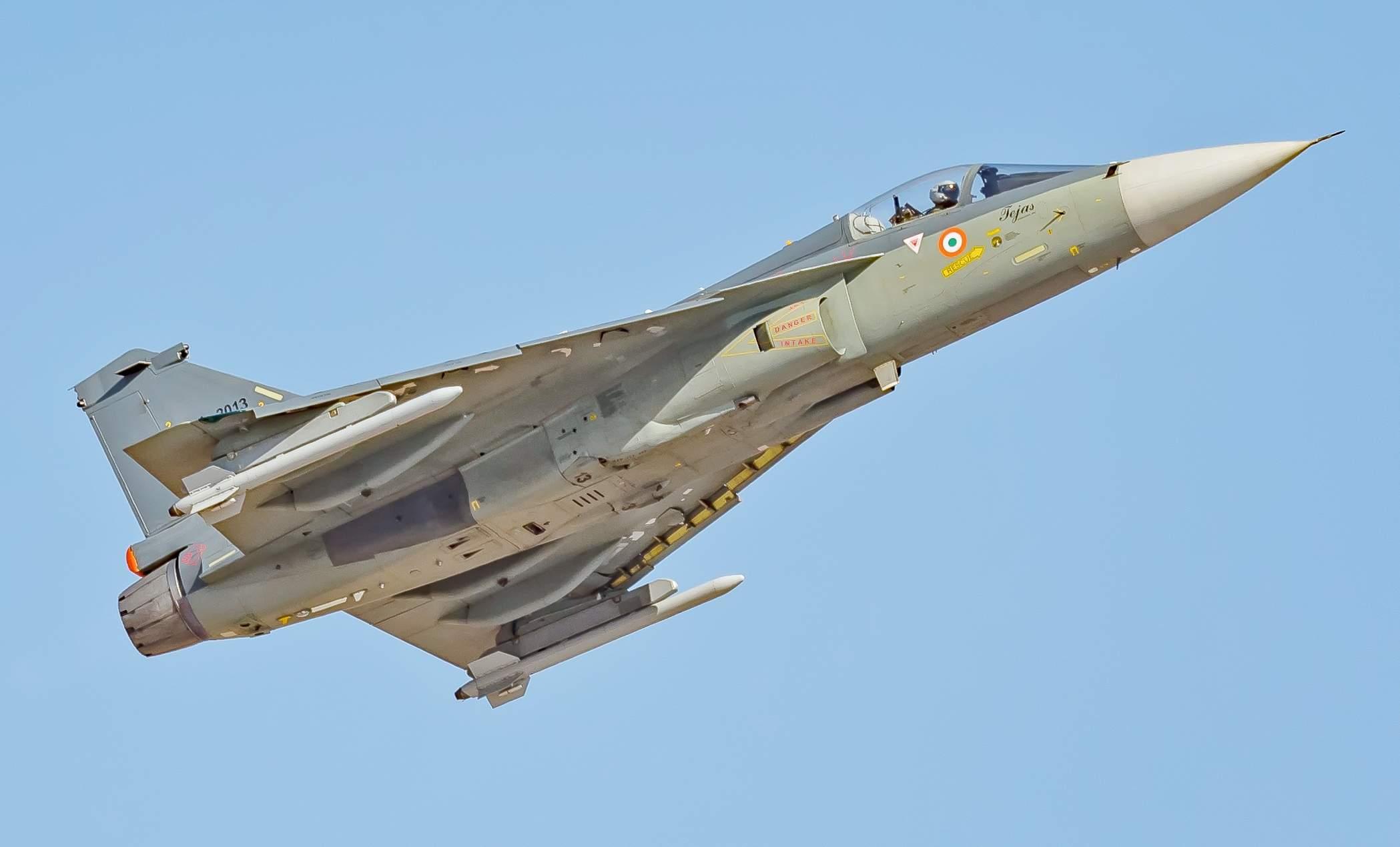 IAF_Tejas_full_size_(32941198511)