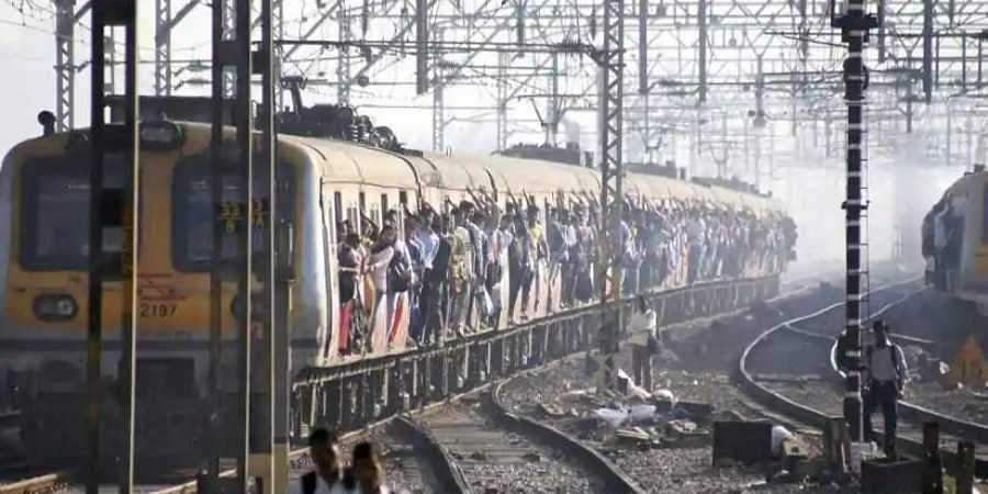 Mumbai_local_train_PTI