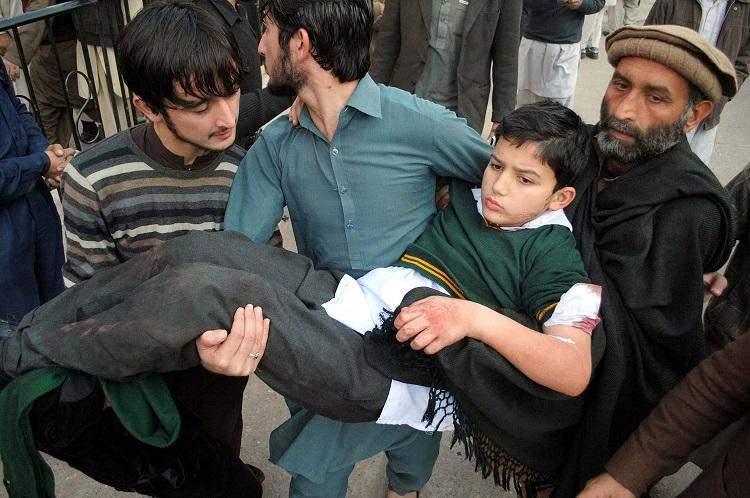 WORLD_NEWS_PAKISTAN-SCHOOLATTACK_3_ZUM