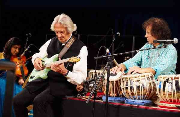 SigSeries_ZakirHussain_Lotus_Feet_with_John