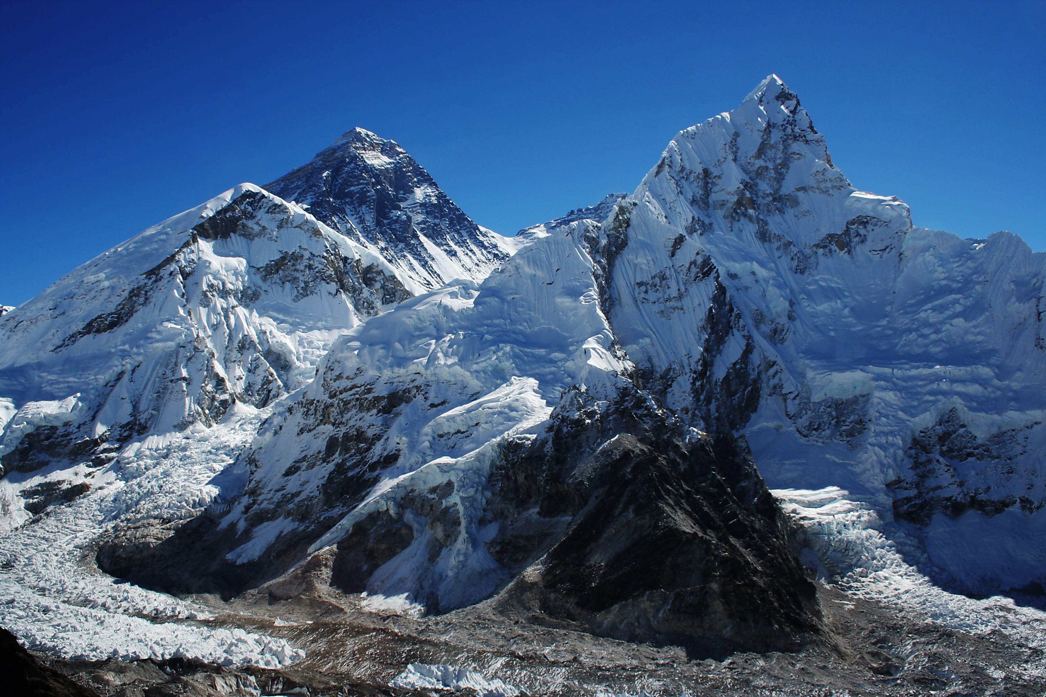 Everest_nubtse