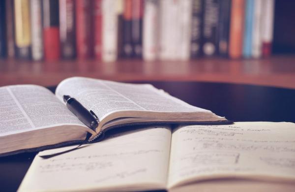 open-book-g7165da771_1920