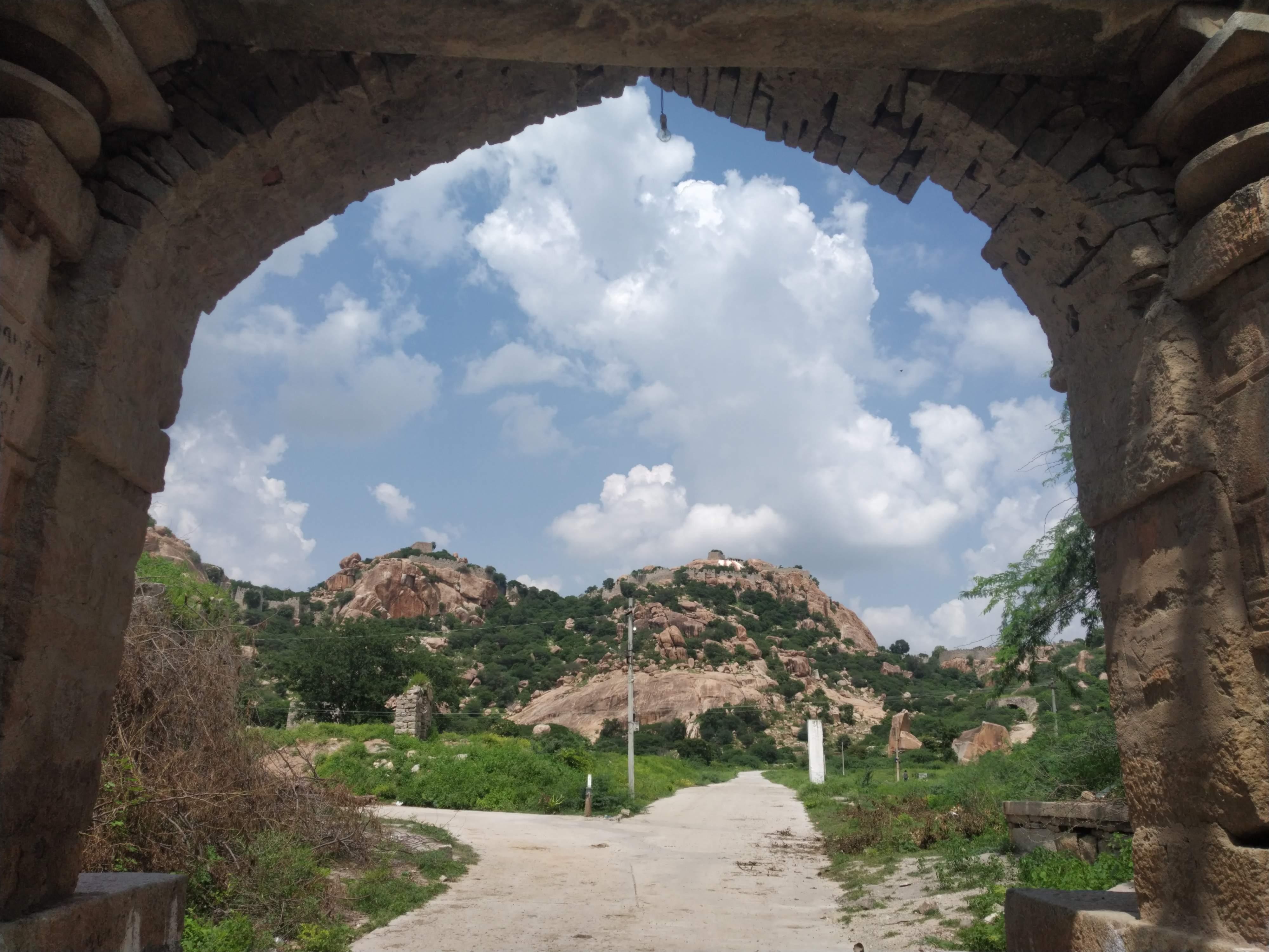 Majestic_view_7hills_Devarakonda_Fort