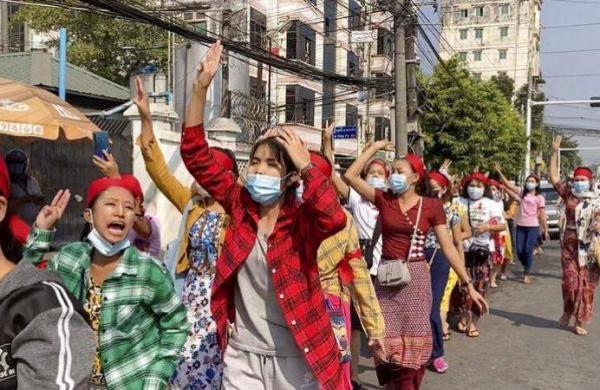 Myanmar_protest_AP_2