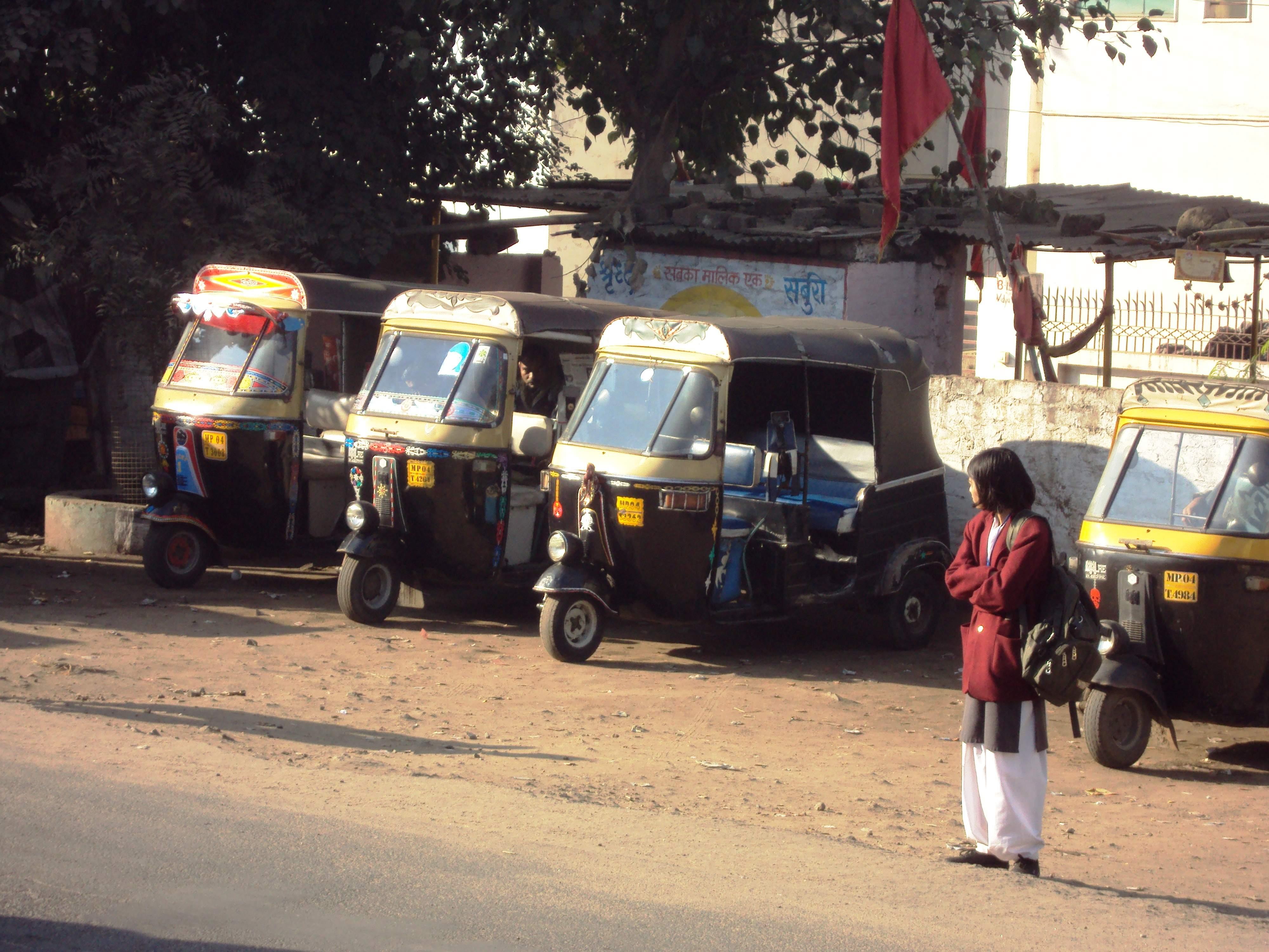 Bhopal_auto_rickshaws