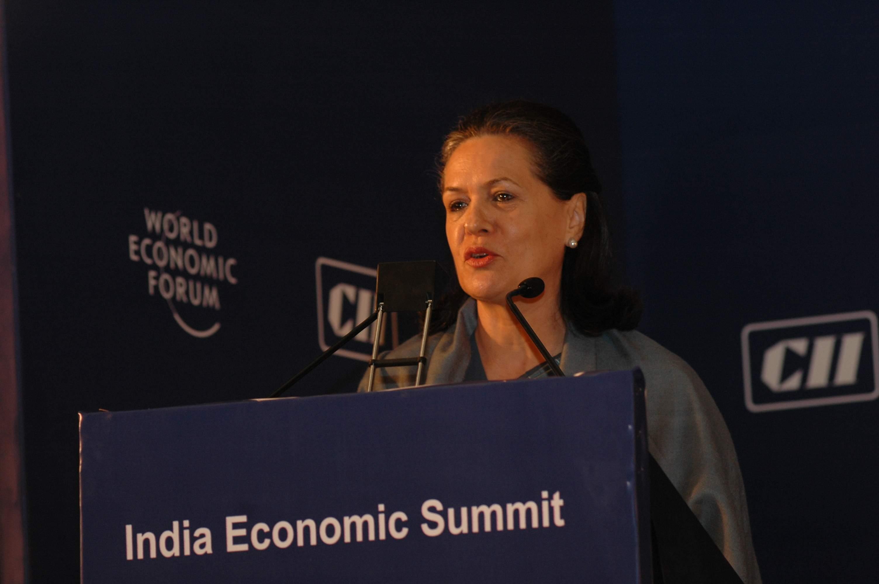 Sonia_Gandhi_-_India_Economic_Summit_2006