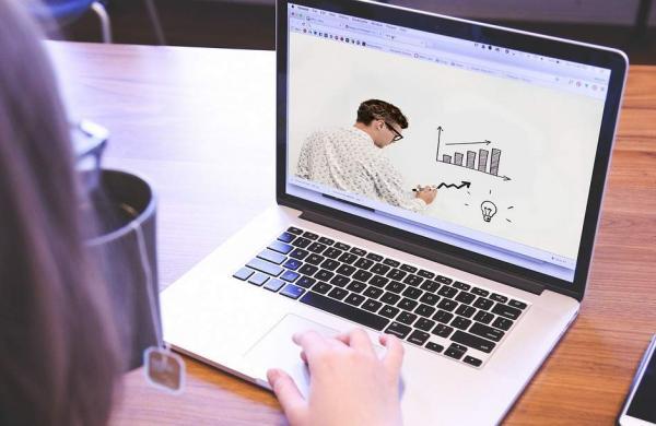Webinar-Online-Teacher-Class-Laptop-Course-6204349
