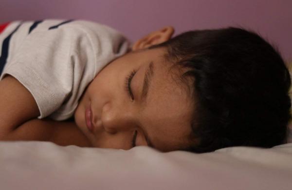 sleeping-3621405_1280
