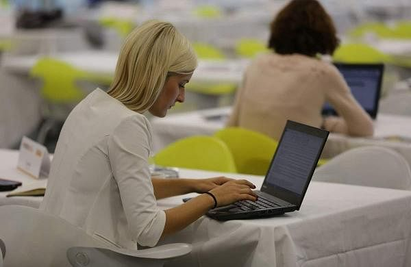 women_employee_pixnio