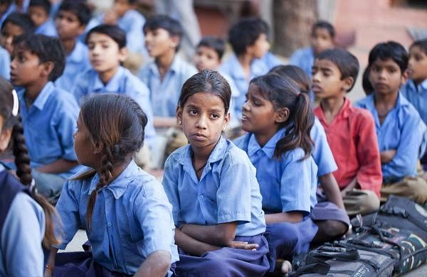 Girls_and_boys_at_school,_Rajasthan_(6363969443)