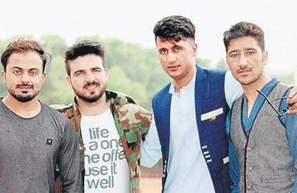 Afghan_students