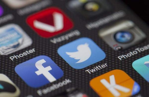 twitter-facebook-together-exchange-of-information