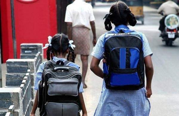 schoolchildren-india